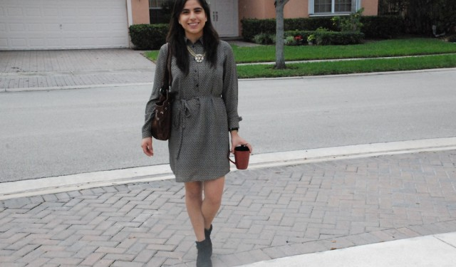 Style blogger sharing look of the day in Fort Lauderdale, Florida