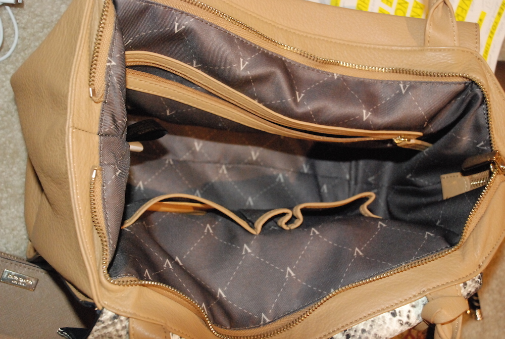 A Hint of Life shares a great option for office bag