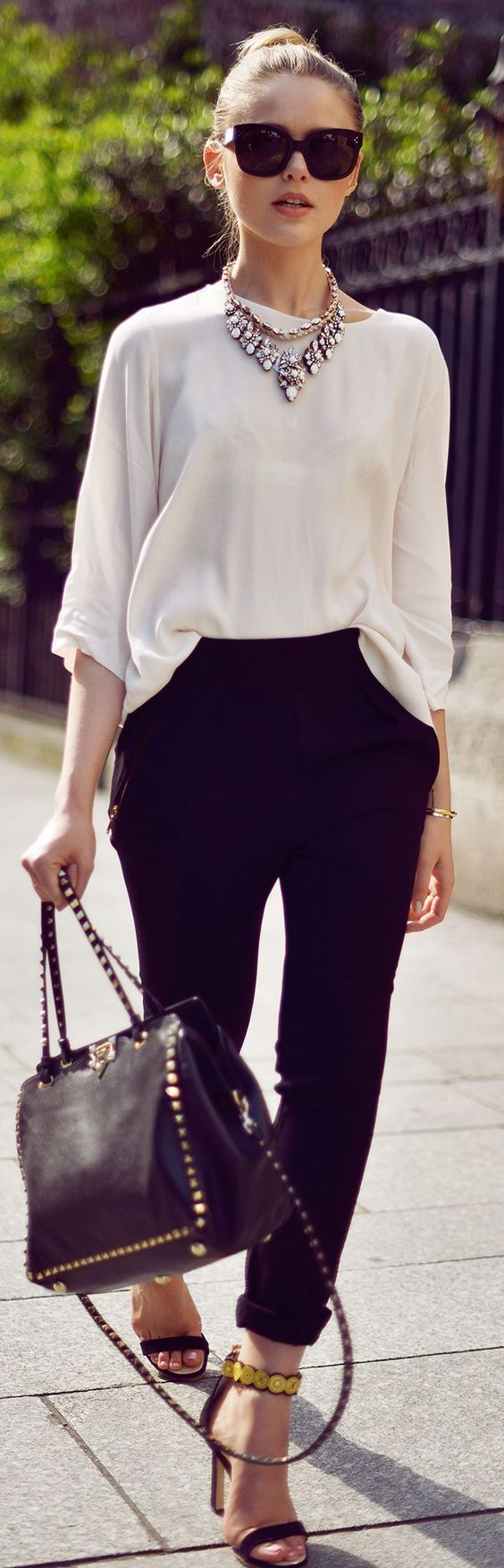 A Hint of Life shares office outfit inspiration pictures