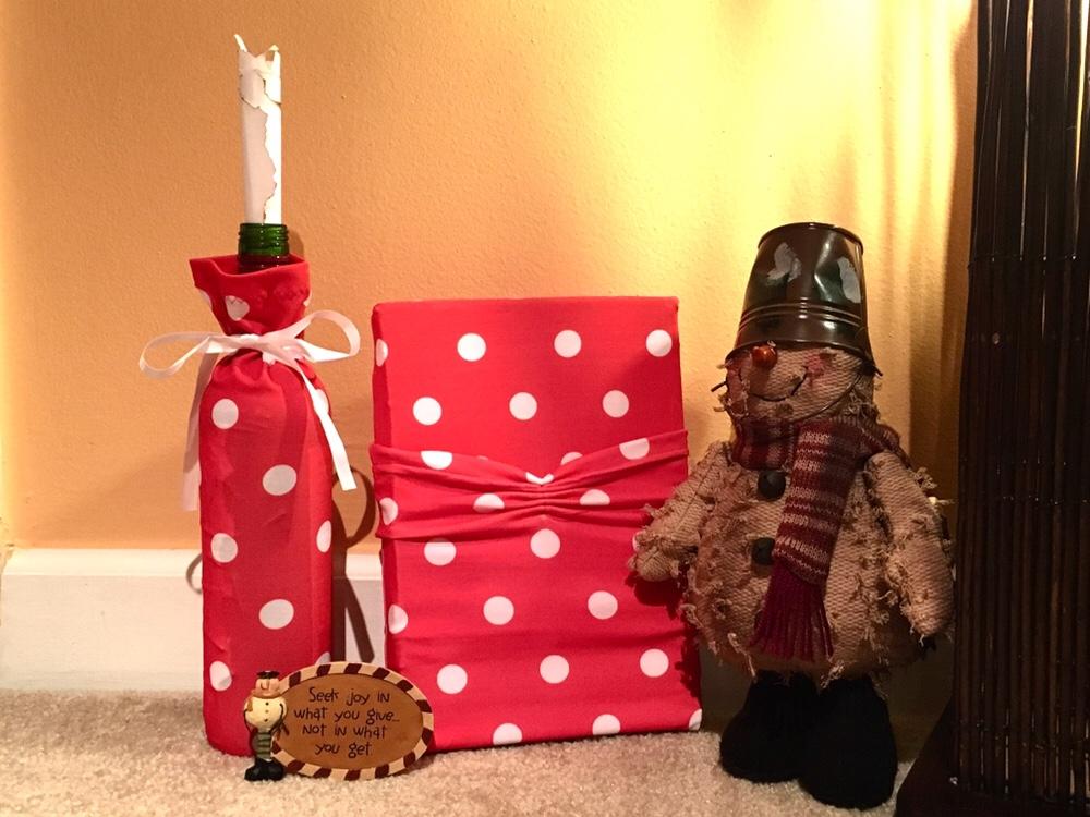 Wrapeez, a reusable, eco-friendly gift wrapping