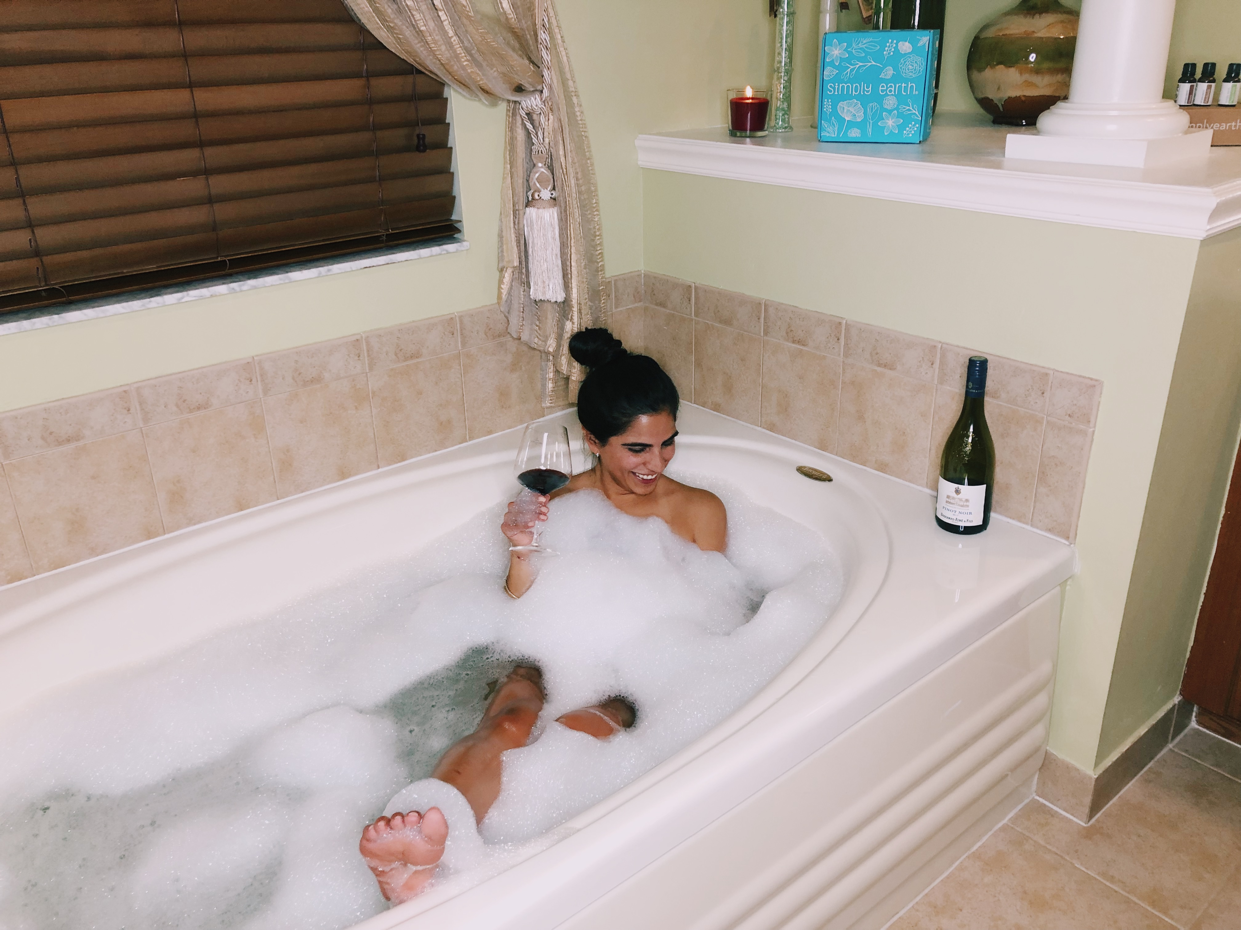 These Essential Oil Recipes Made My Bubble Bath Easy and Natural
